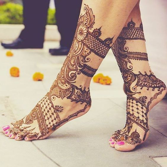 Henna Tattoo On Foot: Bridal Henna Tattoos For Your Feet