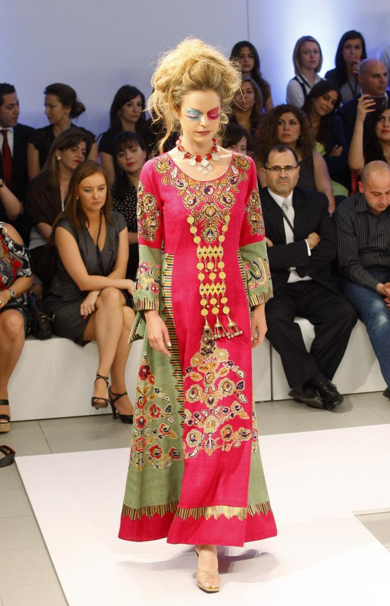 the latest abaya trends by hana sadiq