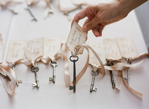 Place Card Holders Ideas for your Wedding - Arabia Weddings