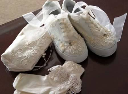 10 Strange Wedding Shoes Arabia Weddings
