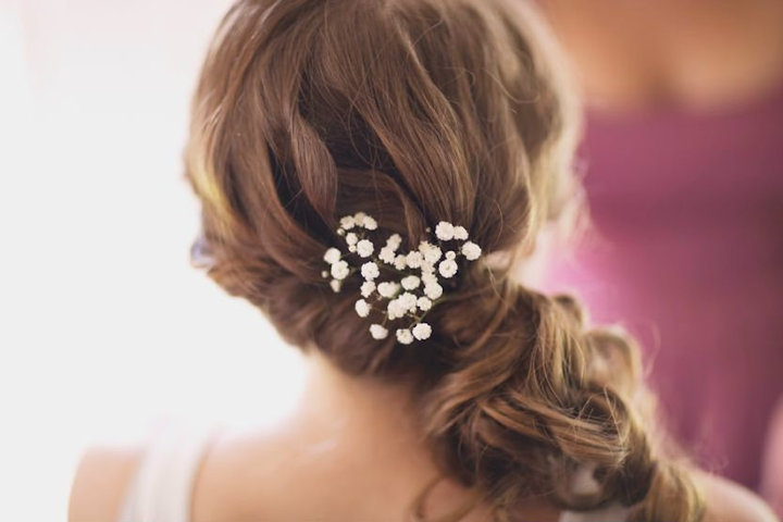 http://www.arabiaweddings.com/sites/default/files/uploads/2012/07/29/hair-babys-breath.jpg