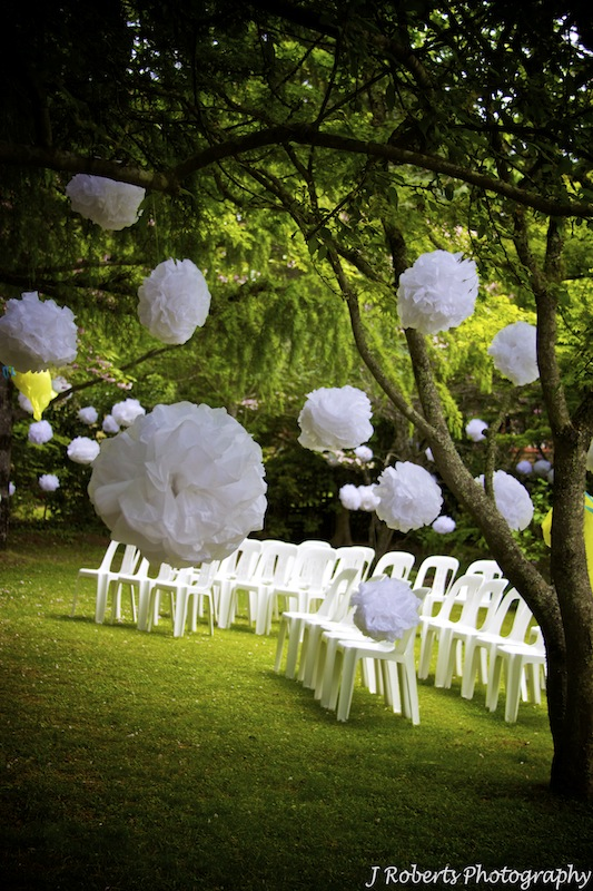 A garden wedding arabia weddings - Garden wedding decorations pictures ...