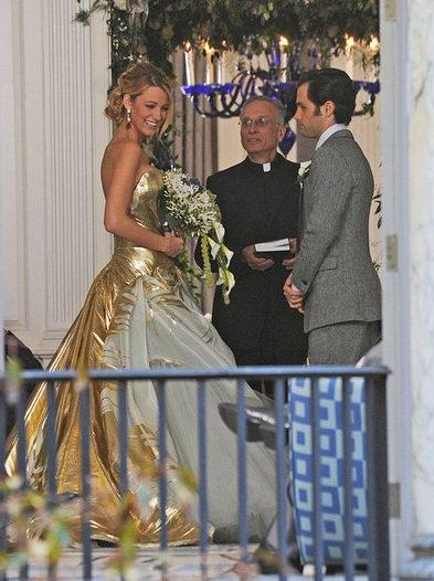 Blake Lively in Gold Wedding Dress for Gossip Girl Season Finale ...