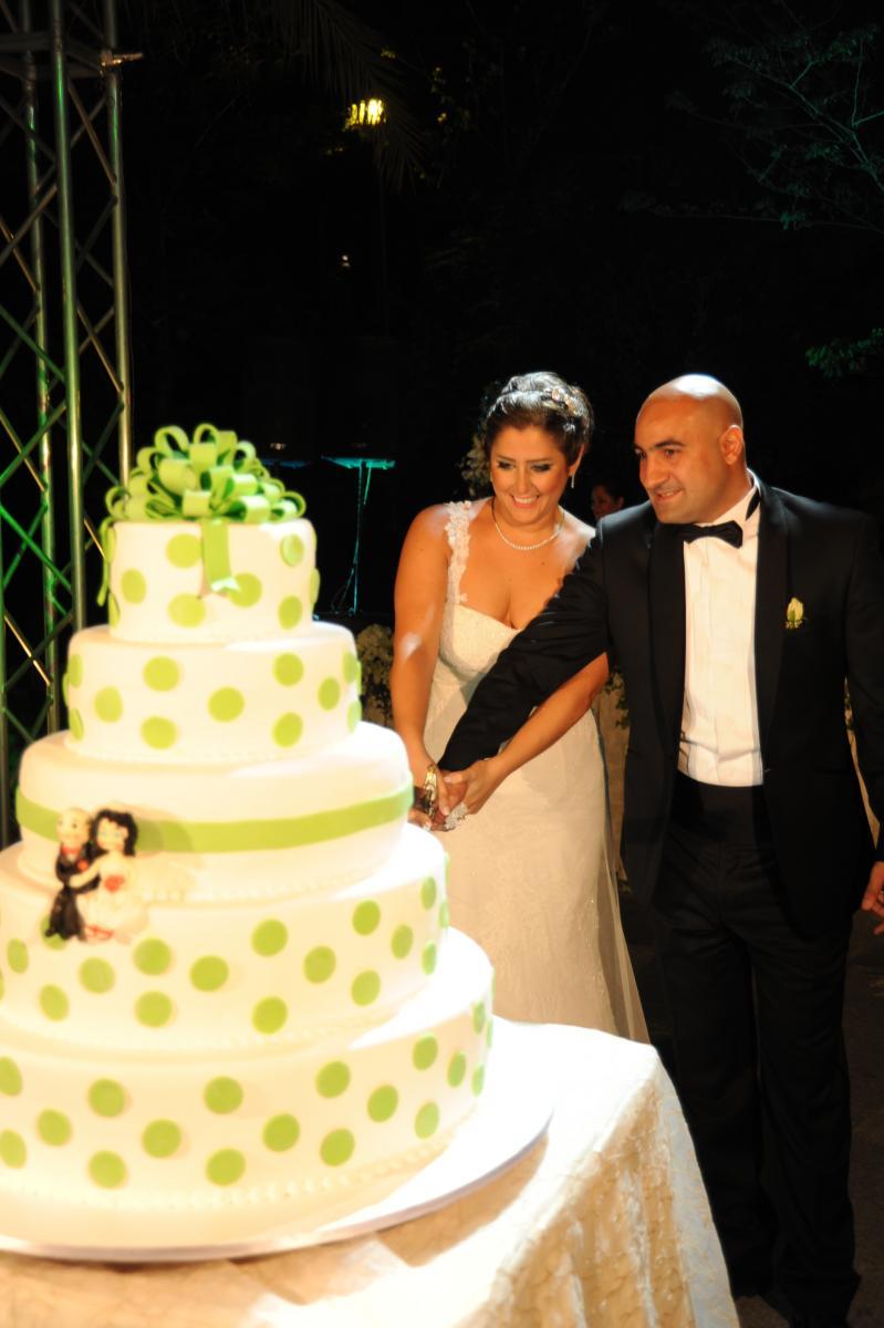 Polka Dot Wedding Cakes - Wedding Cake Flavors