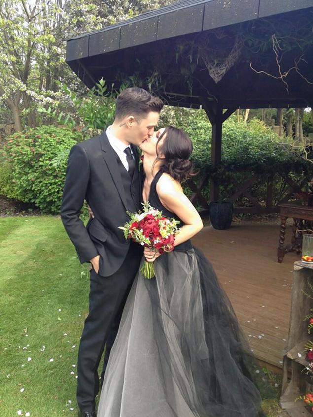 Чёрное свадебные платья
