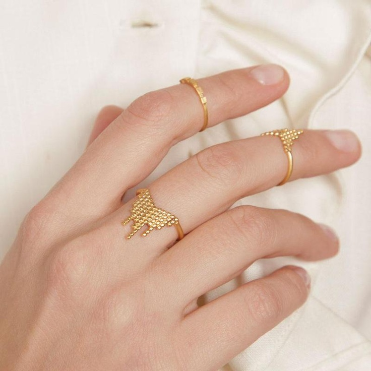 mid rings for the stylish bride   arabia weddings