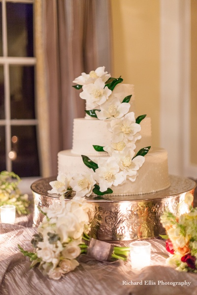 wedding cake site a magnolia wedding theme arabia weddings 24804