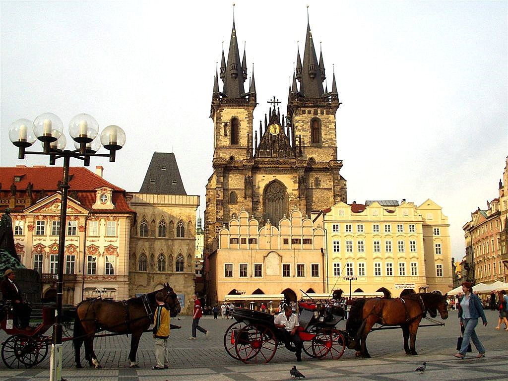 Your Honeymoon Destination: Prague - Arabia Weddings