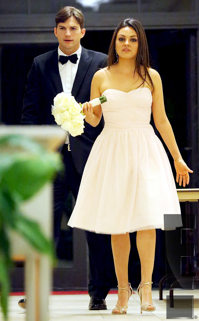 ashton kutcher and mila kunis attend her brothers wedding