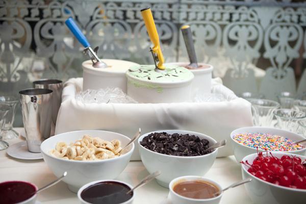 frozen yogurt at your wedding arabia weddings