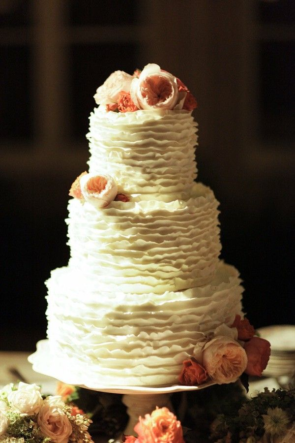 Here Are Some Beautiful Textured Wedding Cakes For You To Swoon Over: