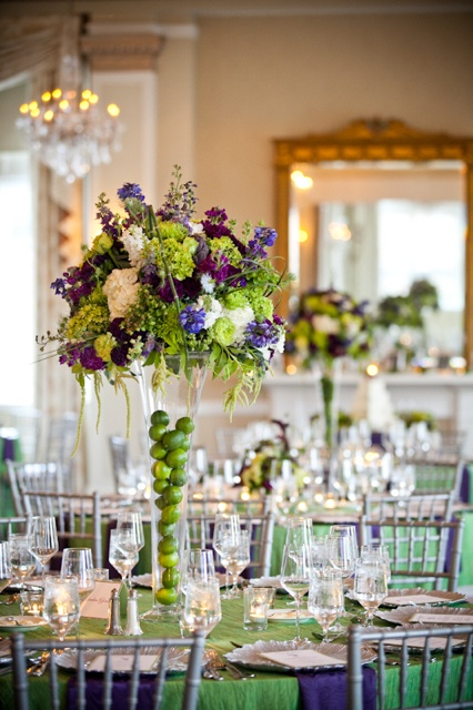 5 Beautiful Tall Vase Centerpieces for Your Wedding - Arabia Weddings