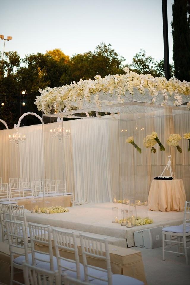 a dreamy tulle wedding theme arabia weddings. Black Bedroom Furniture Sets. Home Design Ideas