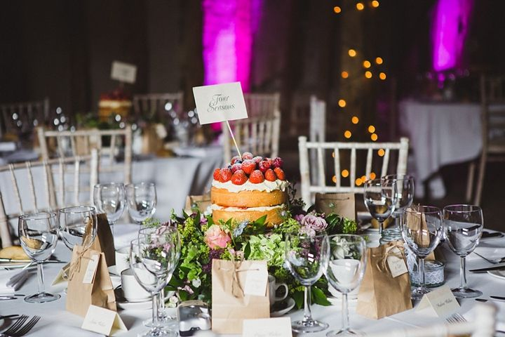 Cake Centerpieces For Weddings : Wedding Centerpiece Alternative: Cakes! - Arabia Weddings