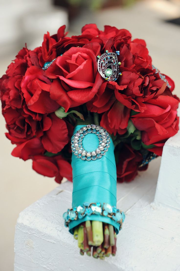 Your Wedding In Colors Cranberry And Aqua Arabia Weddings