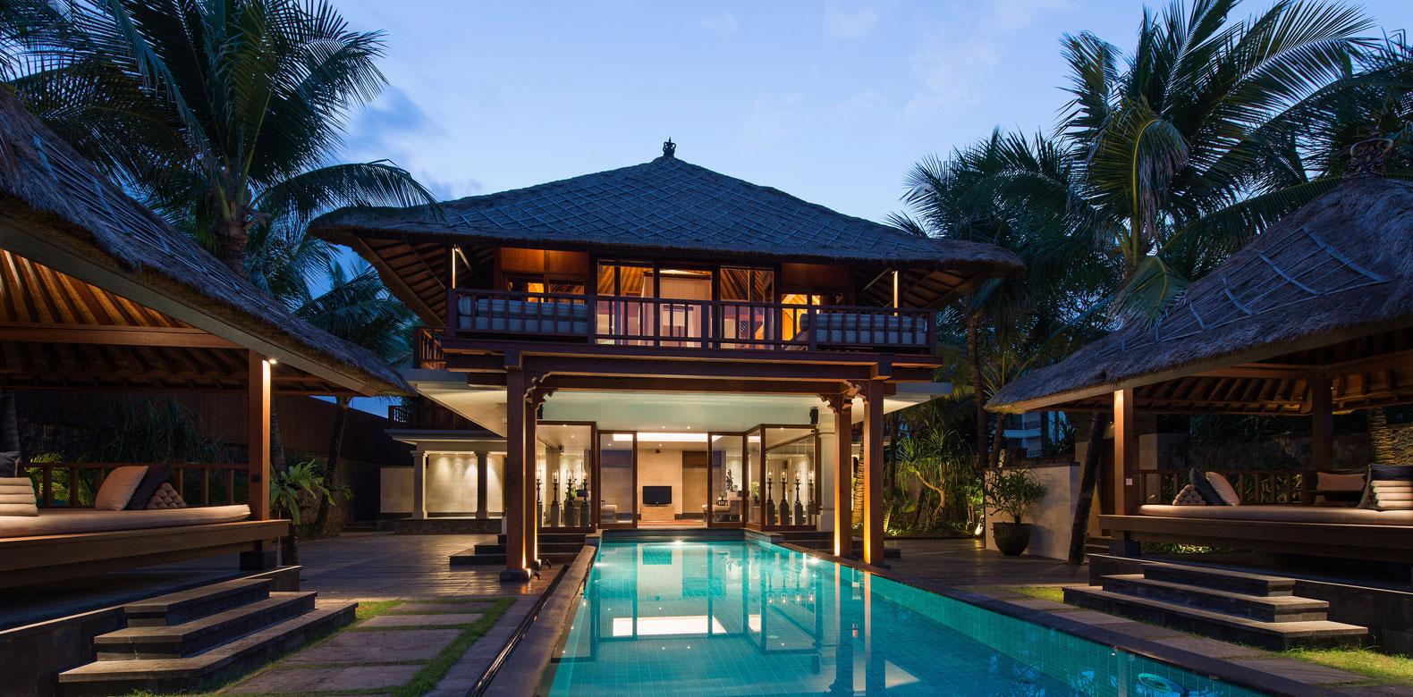 Exterior: 5 Beautiful Relaxing Beach Hotels For Your Honeymoon