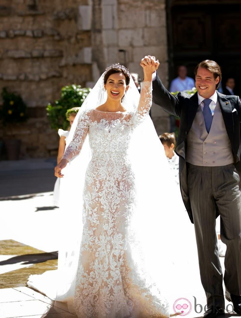 أجمل فساتين زفاف ملكية ارتدينها