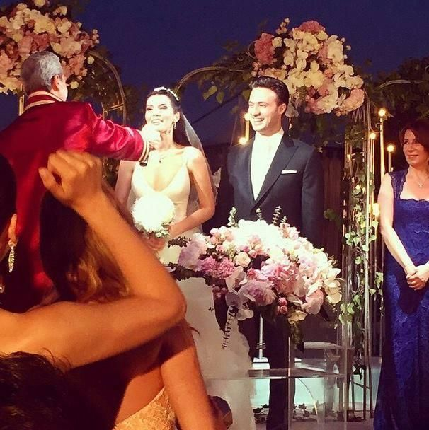 Turkish Actress Hatice Sendil Marries Burak Sagyasar