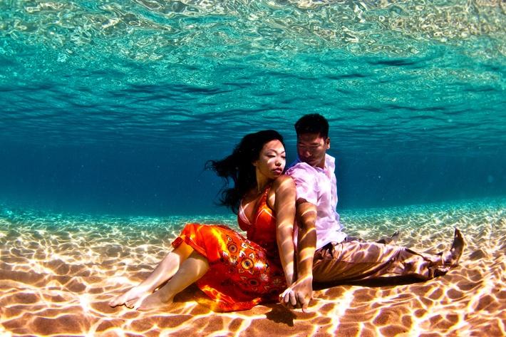 Calendar Theme Ideas Photoshoot : Engagement photo shoot themes for creative couples