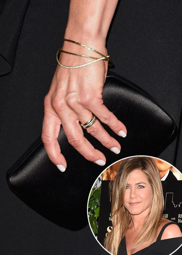Jennifer Aniston\'s Wedding Ring Revealed! - Arabia Weddings