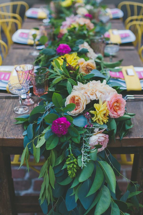 floral_wedding_table_runner
