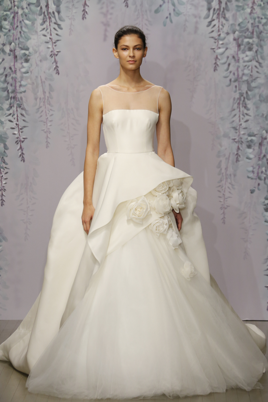 monique_lhuillier_bridal_collection_fall_2016_new_york_bridal_week_9