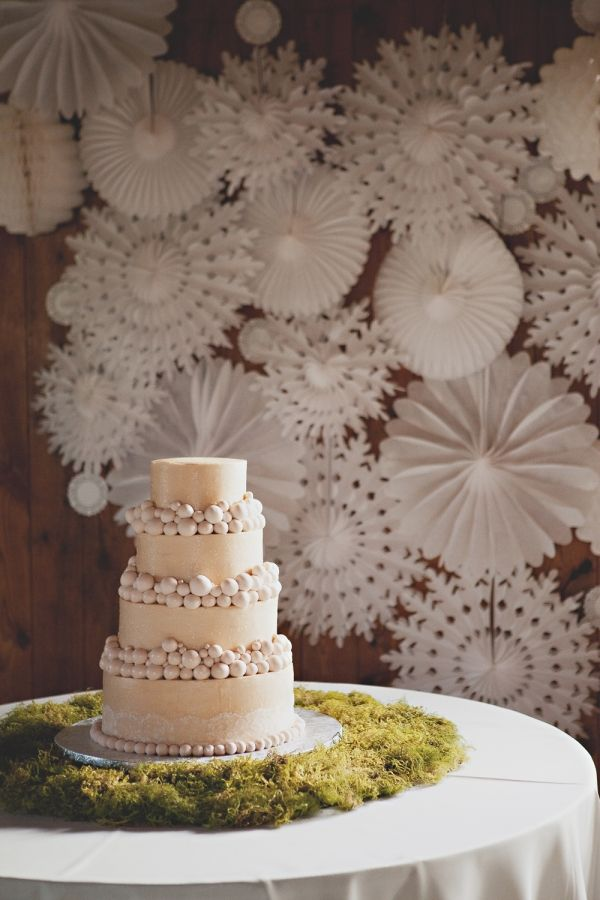 paper_wheels_wedding_backdrop