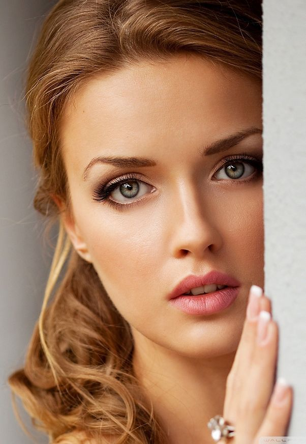 The Bridal Makeup Look For 2016: Soft and Simple