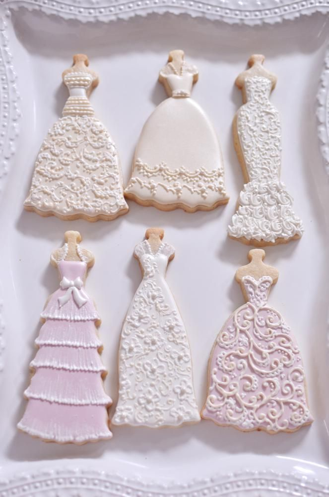 6 beautiful cookie ideas for your wedding arabia weddings for Wedding dress cookie cutters