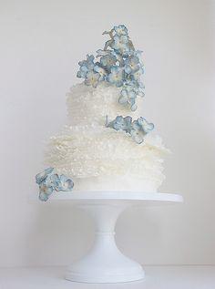 pantone_serenity_wedding_cake