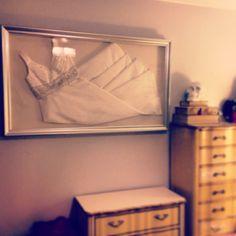 framed_wedding_dress_4