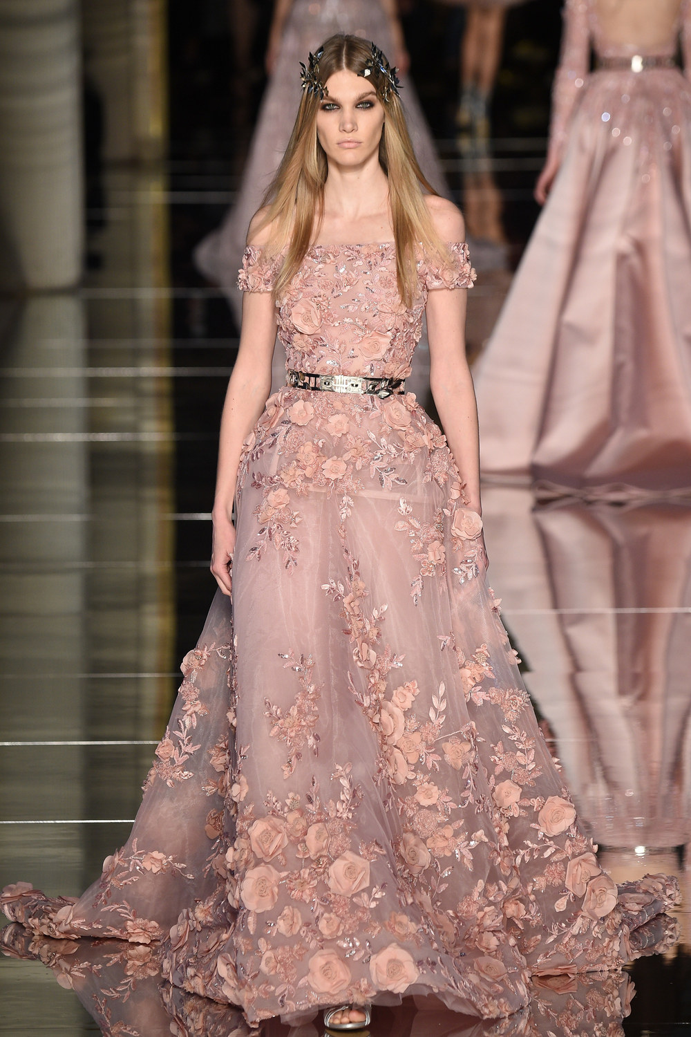 The latest zuhair murad haute couture collection arabia for Hout couture