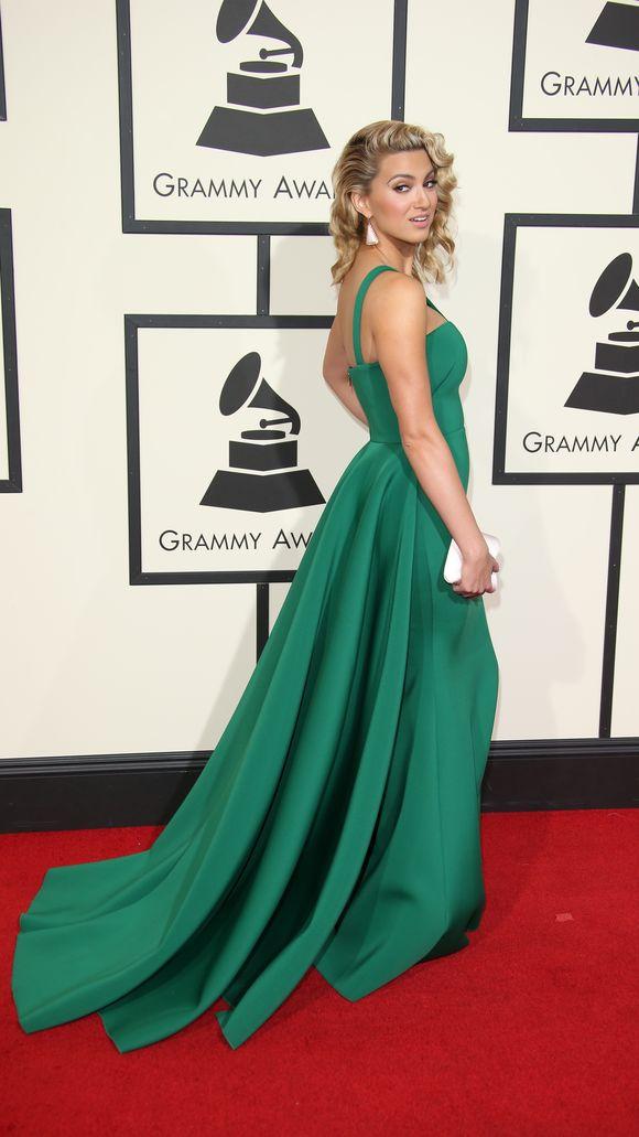 Tori Kelly Anna Kendrick Grammys Red Carpet