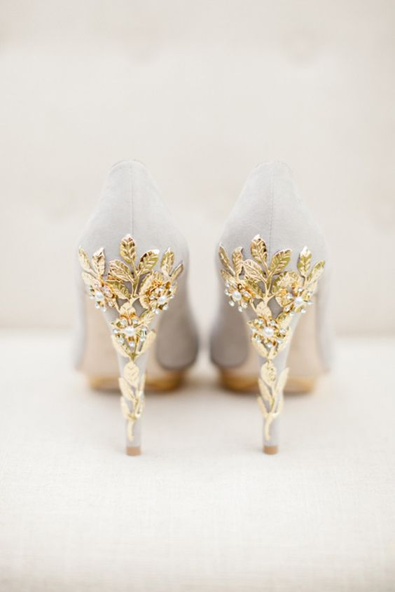 stunning suede bridal shoes for winter arabia weddings