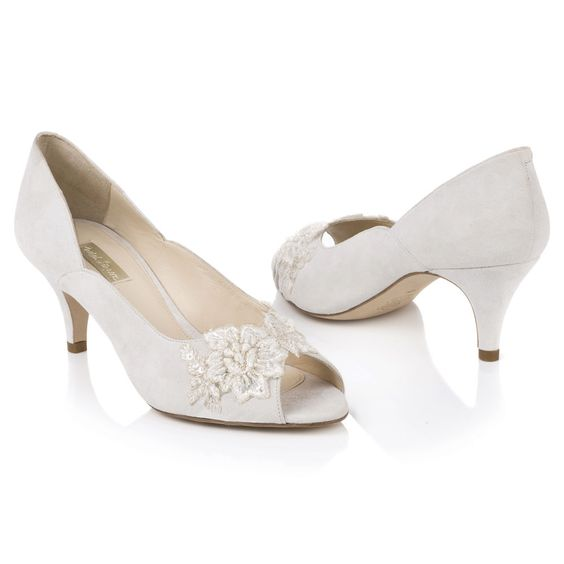 Stunning Suede Bridal Shoes For Winter