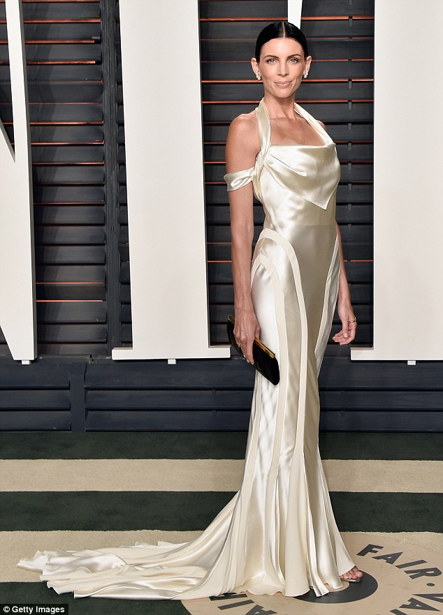Pictures Liberty Ross Recycles Her Wedding Dress For The Oscars
