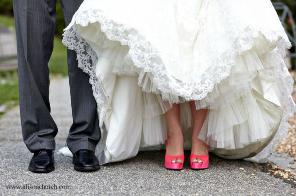 Pink Wedding Dress Shoes : Pictures of wedding shoes you need to take arabia weddings