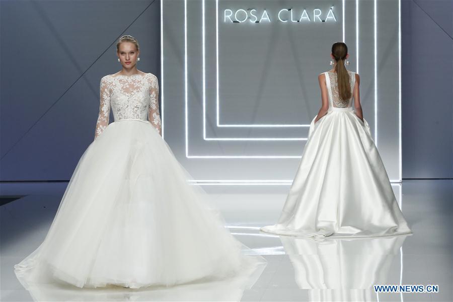 9a4d2e6be صور مجموعة روزا كلارا لفساتين الزفاف لعام 2017. | موقع العروس