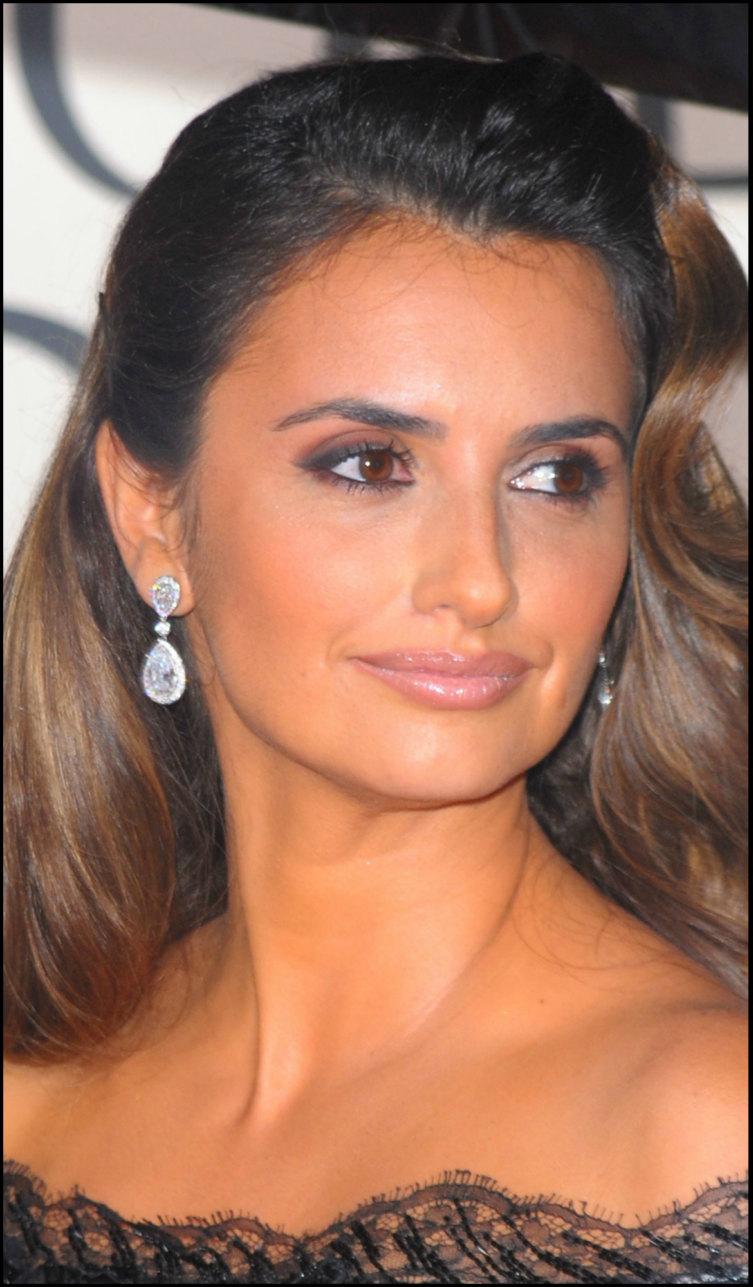 The Most Elegant Celebrity Jewelry Arabia Weddings