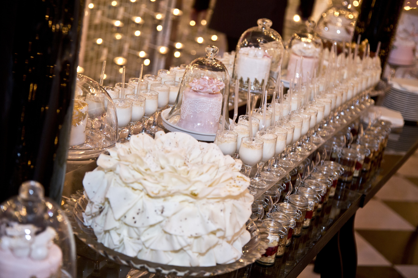Trends In Wedding Day Buffets That You Need On Your Big Day: The Latest Wedding Dessert Buffet Trends In 2016