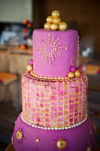 Arabian nights wedding theme arabia weddings for Arabian cake decoration