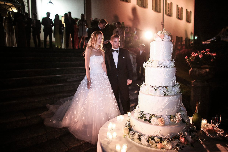 Vogue wedding cakes arabia weddings 01 dasha vogue wedding cakes junglespirit Image collections