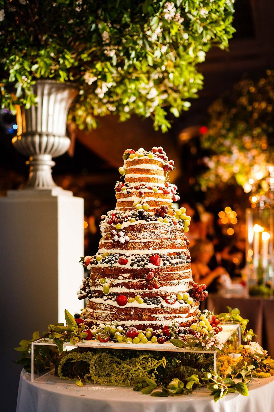 The Most Fabulous Wedding Cakes In Vogue