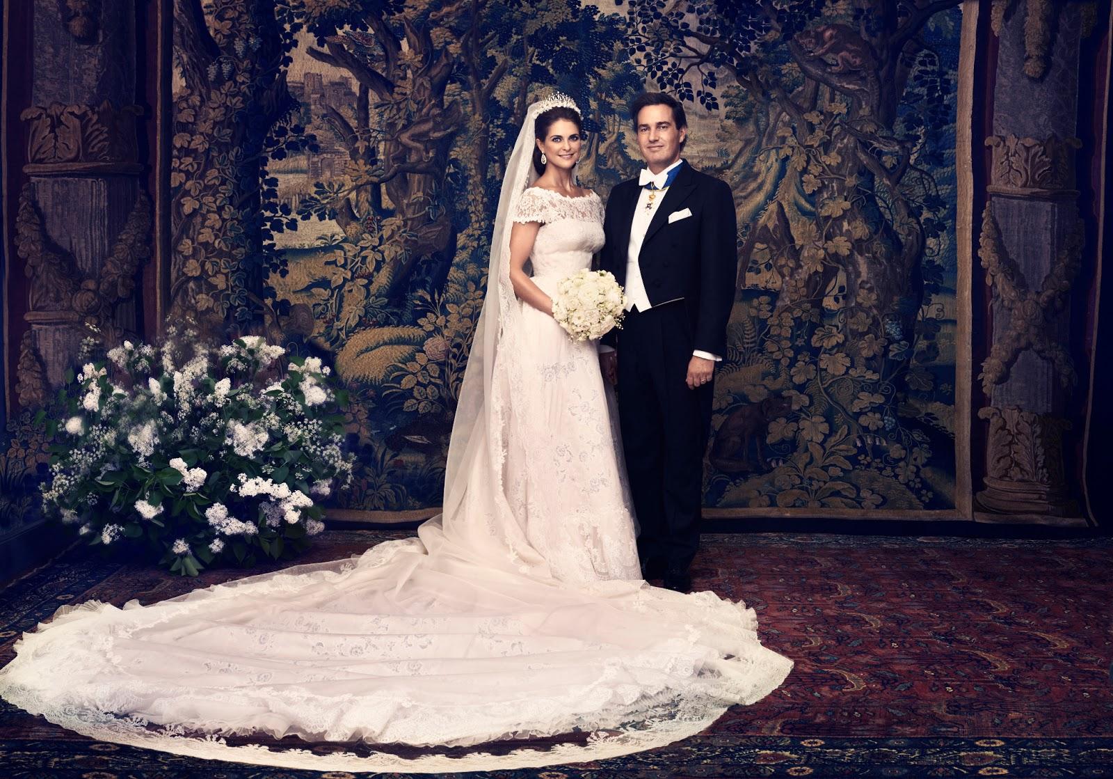 Sweden royal bridal dresses on display arabia weddings princessmadeleineandmrchristopheroneill crownprincessvictoriaandprincedanielofsweden ombrellifo Gallery