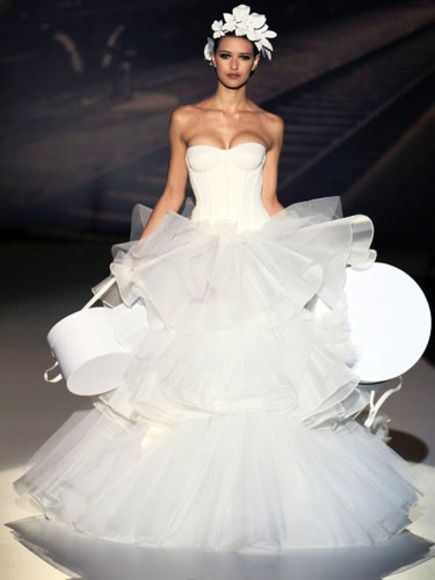 Strange Wedding Dresses | Arabia Weddings