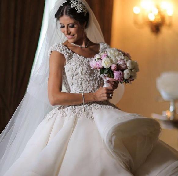 aa023d30413e8 لا تنسي متابعة حساب موقع العروس أرابيا ويدينجز على انستغرام لتبقي على إطلاع  على آخر مستجدات عالم الأعراس وأهم النصائح وأفضل العروض.