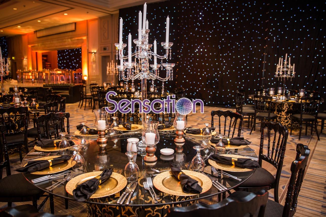 Gold White Hall Decoration