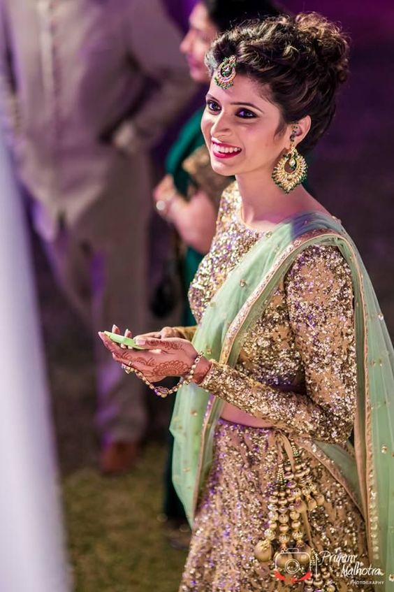 indian bridal hairstyles arabia weddings. Black Bedroom Furniture Sets. Home Design Ideas