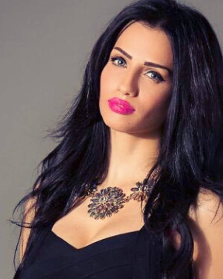 Your Bridal Beauty Inspiration: Imane El Bani