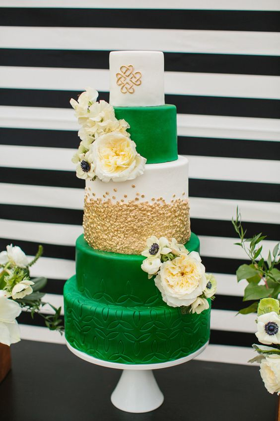 blue and green wedding cake ideas beautiful green wedding cakes for 2017 arabia weddings 11947